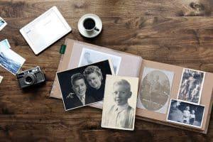 Fotoalbum mit Kinderfotos