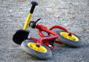 Laufrad am Boden abgelegt